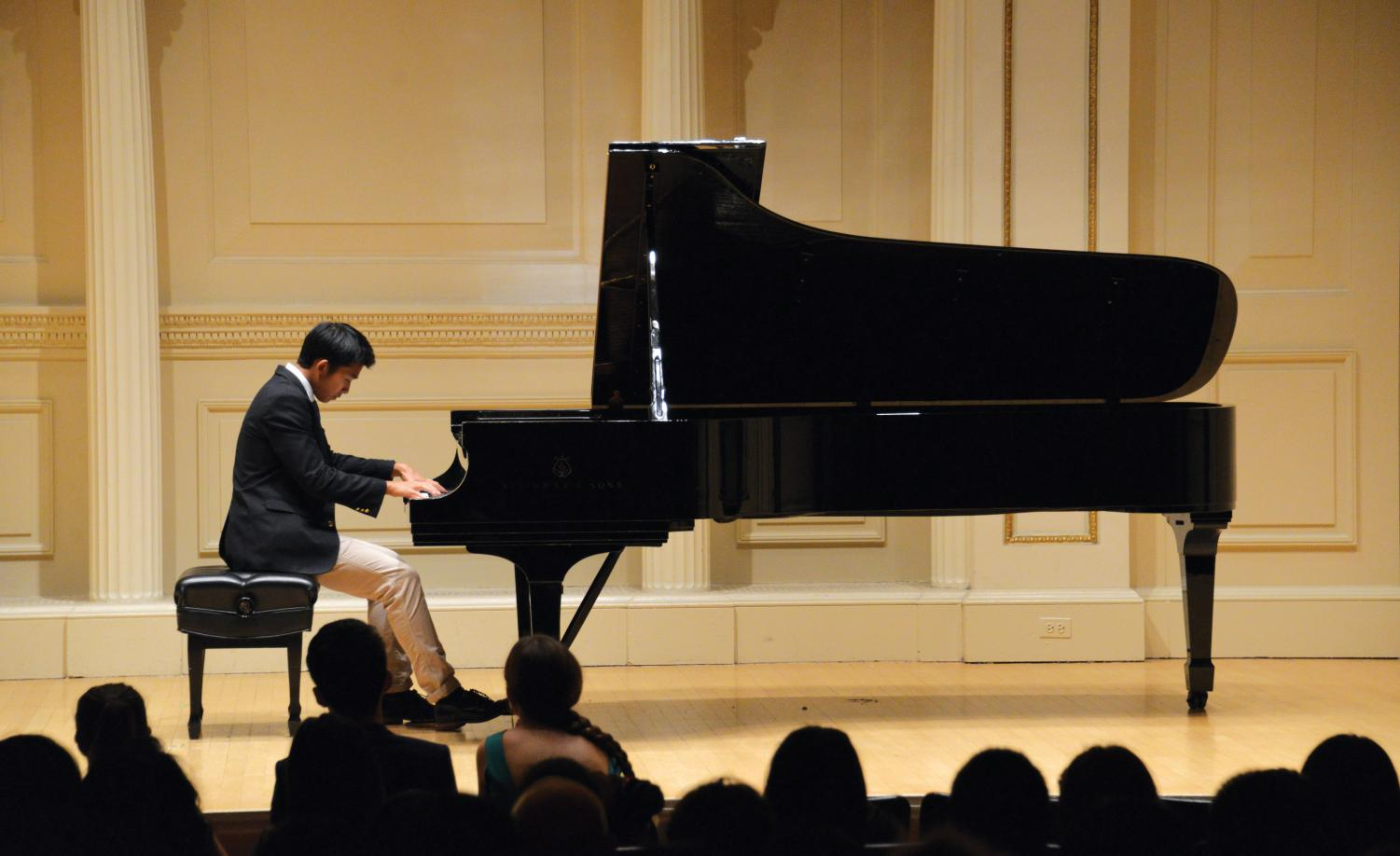 Michael Zhang '21 performs in Carnegie Hall last January.