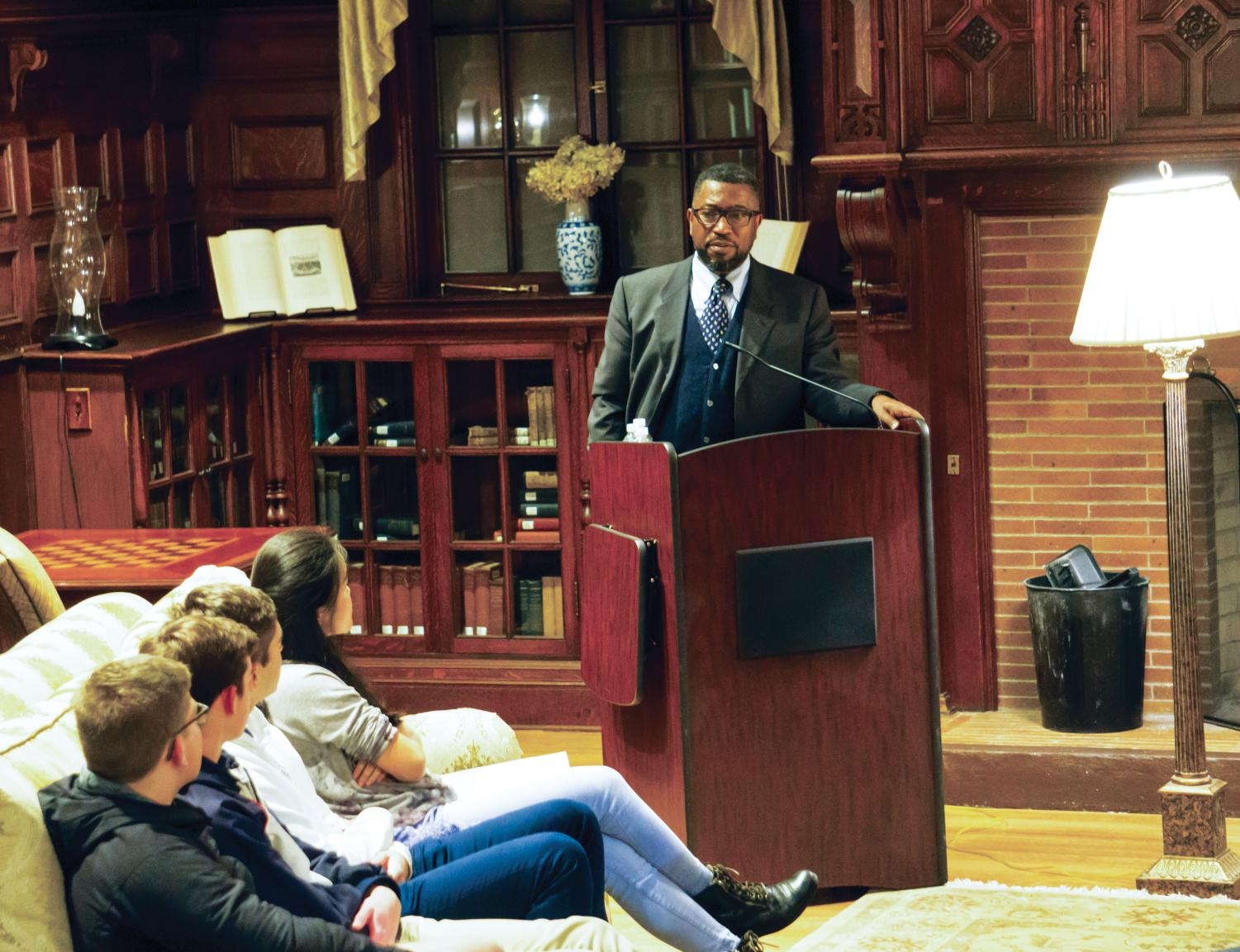 Major Jackson recites his poetry for a student audience at the Harris House on Thursday, October 25.