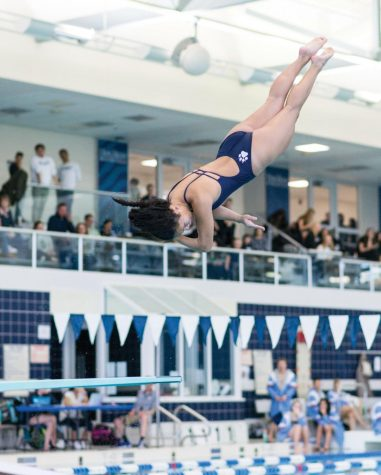 Varsity Diving Comes Up Big at Founders
