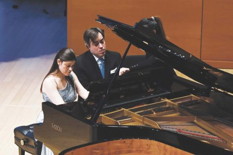 Witkowski Piano Duo Enthralls Audience