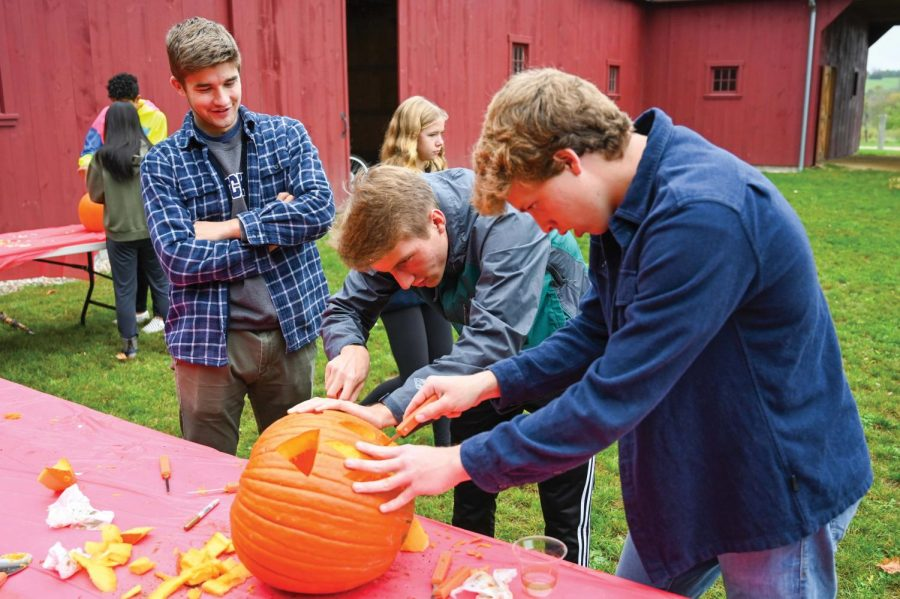 Students+enjoyed+a+day+full+of+activities+at+the+Fall+Festival%2C+including+pumpkin+carving.+