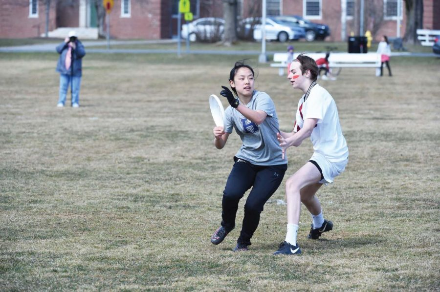 Theresa Yu '19, who co-captained the Hotchkiss Varsity Ultimate team, now plays for the University of North Carolina at Chapel Hill.