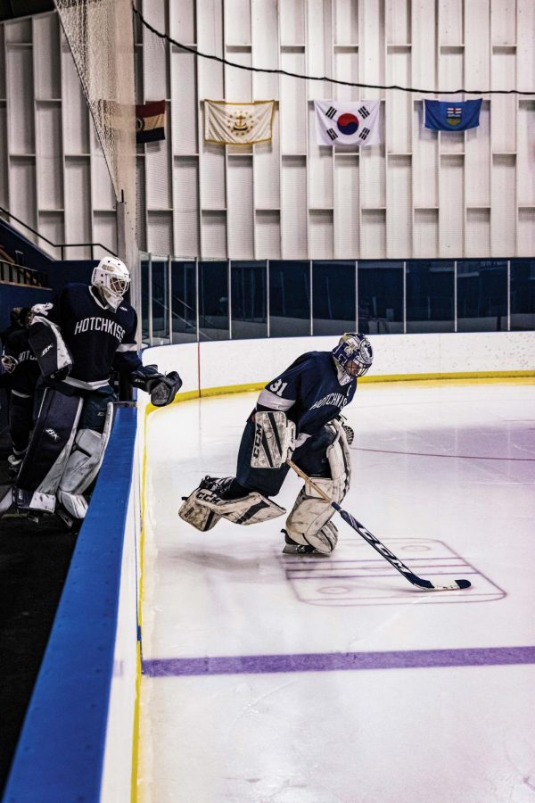 Henry+Wilder+%E2%80%9920+posted+35+saves+in+the+Boys+Varsity+Hockey+team%E2%80%99s+most+recent+game.