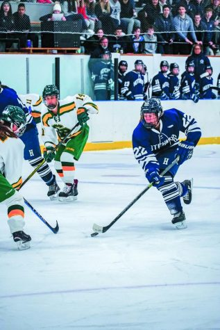 Girls Varsity Hockey Builds New Roster