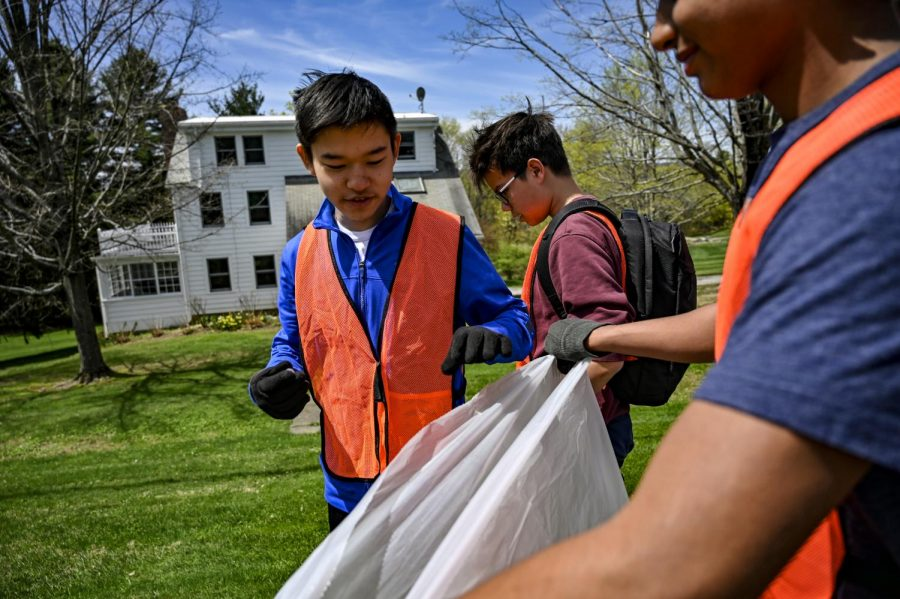 Community members picked up trash as part of the 2019 Eco Day.