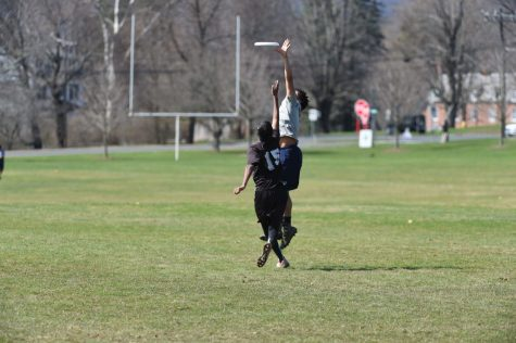 Off-season sports such as ultimate frisbee are now available as club co-curriculars in the fall.