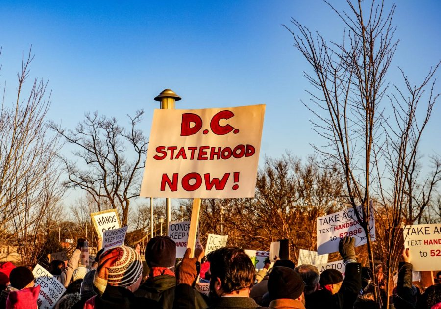 Washingtonians march for DC to become the 51st state.