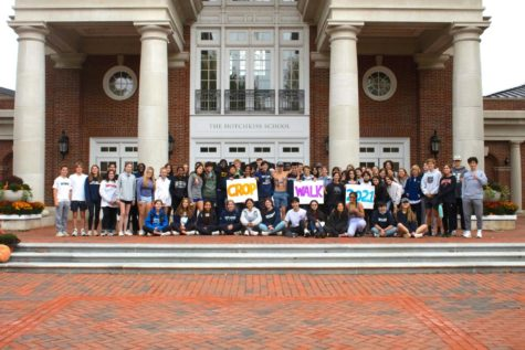 Students gather in front of Main Circle before the Crop Walk.